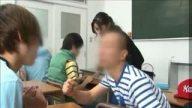 テストで100点取ったご褒美として教え子から電車でレイプされる巨乳女教師!