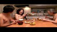 四十路熟女のド変態全裸一家の食卓w自宅のお座敷で息子の友達に性教育する美人お母さん